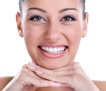 Calgary patients asks: can veneers repair my chipped teeth?