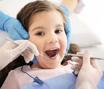 Calgary dental group offers oral health care for children